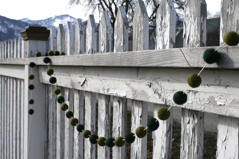 Felt Ball Garland Fence 3